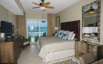Beach Retreat Condos condo rental - New Master Suite With Awesome Gulf Views