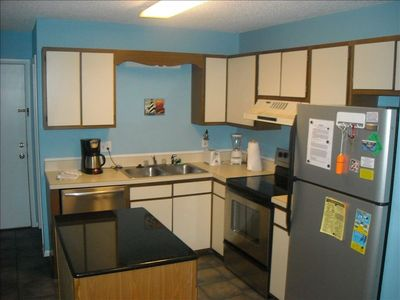 Kitchen with Granite Island and Stainless appliances (Fully Furnished)