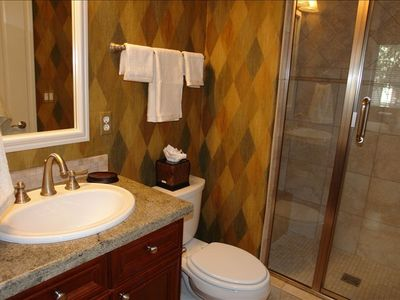 Guest bathroom, private access from guest room.