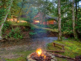 Buddy 39 s bungalow magical creekside homeaway ellijay - 8 bedroom cabins in north georgia ...