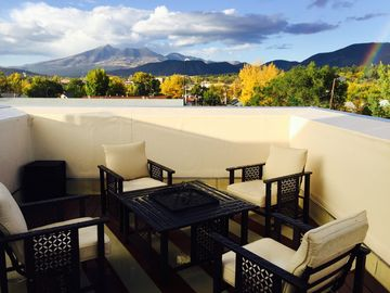 Flagstaff townhome rental - Stunning mountain views from 3rd story roof