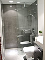 Los Angeles house photo - Bedroom 2 Bathroom with Shower