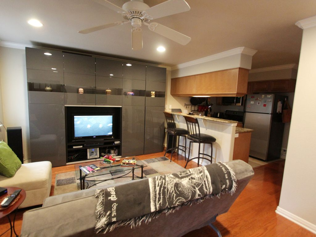 Secluded, high-end furnished condo in small 27-unit complex