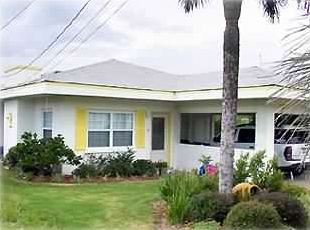 4BR/2BA Beach House with Private Pool