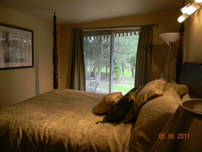 Lakebay cottage rental - Master Bedroom with view
