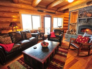Government Camp house photo - Cozy up in this lavish living room