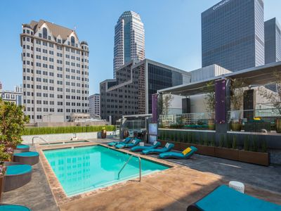 Urban | Flat - Beautiful & Spacious Downtown LA Condo