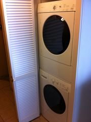 Kailua Kona condo photo - New full size high efficiency washer and dryer