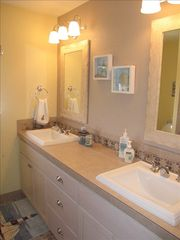 Lincoln City house photo - Master bath...double sinks & a jetted tub