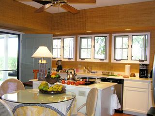 Kohala Ranch villa photo - Cozy Hawaiian Kitchen & Dinette