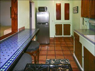 Venice Beach apartment photo - New Stainless Steel Refrigerator, Extra Cabinet Storage,...