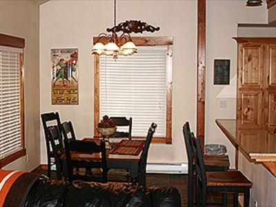 3 Bedroom 2 Bath - Great Condo in Aspen Village - Health Club - Walk to Town