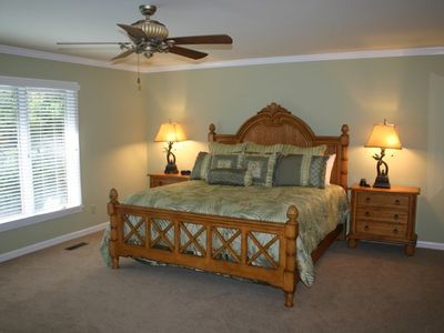 BR#1 (King): Spread out in large master suite with private bathroom and TV