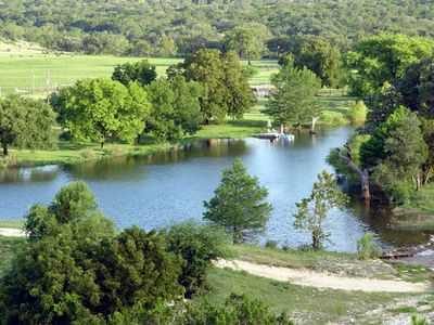 Charming Cabin on Lake, Beautiful Hill Country ranch, fishing, swimming, hiking