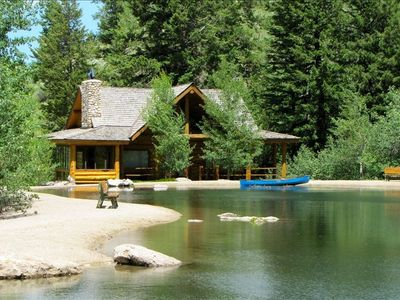 Detached guest cabin on the pond - sleeps 4 easily