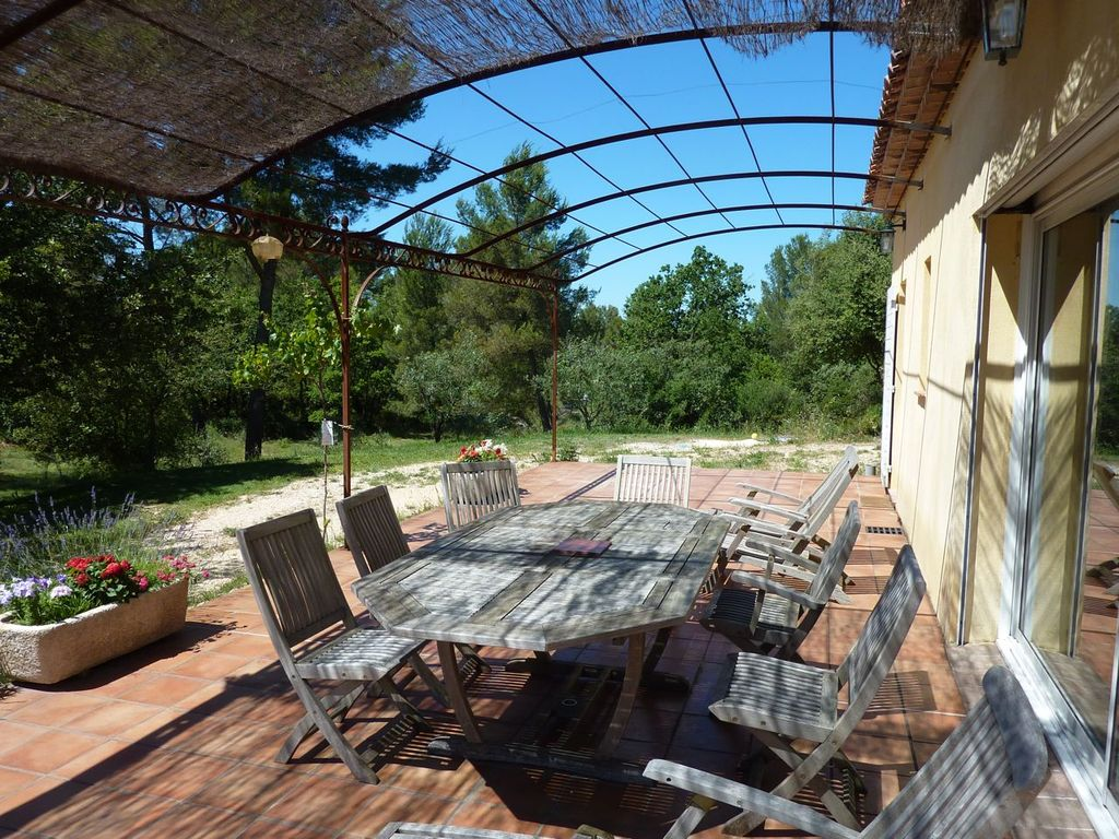 Air-conditioned accommodation, 110 square meters, close to the beach