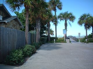Indian Rocks Beach condo photo - Beach access across the street from the condo