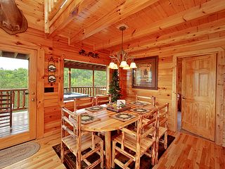 Pigeon Forge cabin photo - Aspen log dining room seats 6-8