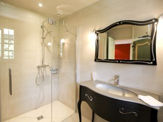 Saint-Jean-Cap-Ferrat condo photo - Bathroom