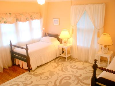Oak Bluffs house rental - Pink Room: Bright and Lovely with a floral flair. Two Twin Antique Mahogany beds