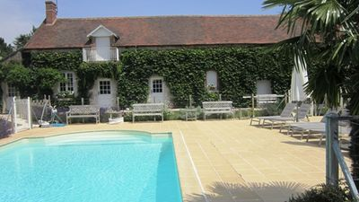 Large gite 4**** in Loire Valley, for 10 people, Jacuzzi for 5 people and pool