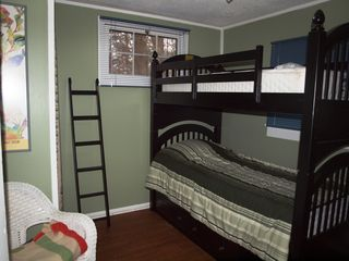 Montague cabin photo - Kids will love the bunk beds!