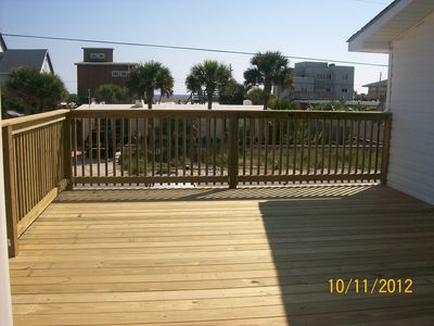 large new deck, gret views from all sides for sunsets etc.