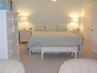 Bethany Beach townhome photo - The large master bedroom has a king sized bed.