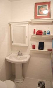 Hollywood apartment rental - BATH 2