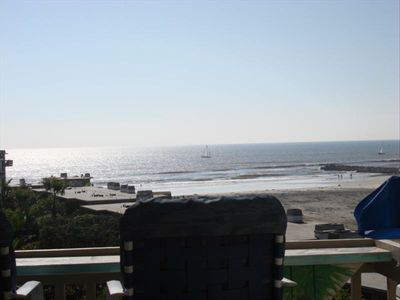 G311--1 bdr--top floor straight on ocean view..