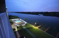 INDIAN SHORES 2BR CONDO WITH AMAZING INTRACOASTAL VIEW AND RESORT STYLE AMENTITIES!
