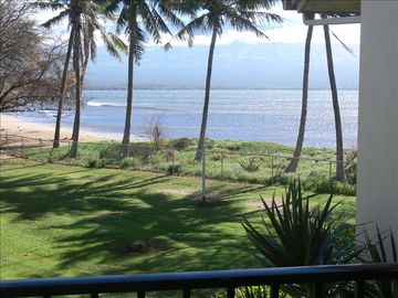 A SPARKELING OCEAN VIEW FROM YOUR LANAI!