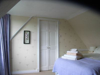 Minishant farmhouse rental - auld farmhouse double bedroom with on-suite