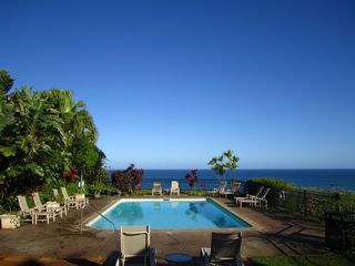Princeville condo photo - The Puu Poa pool sits right on the edge of the bluff, a relaxed setting.