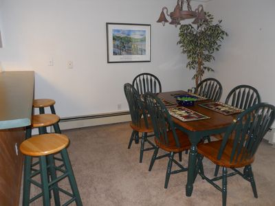 Dining table seats 6