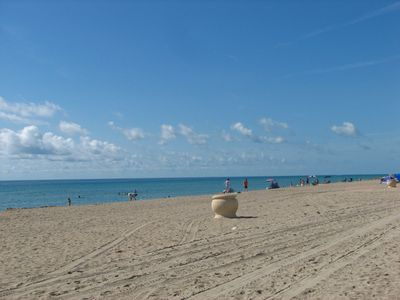 Hollywood Beach on a quiet day...
