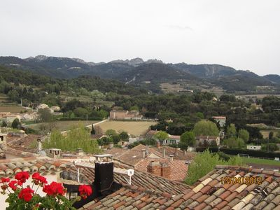 Sablet, stunning south facing views,amazing sunsets,2 minutes from shops/bar etc