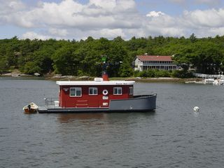 Georgetown house boat photo - Tessie Anne, the osprey nest, and the Osprey Restaurant