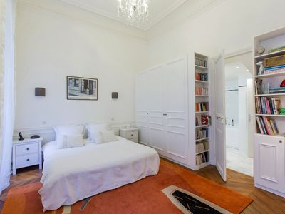Arc De Triomphe / Champs Elysees Luxus Apartment mit 2 Schlafzimmern