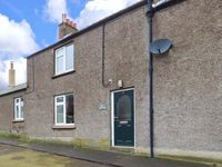PINE COTTAGE, pet friendly, with a garden in Belford, Ref 10383