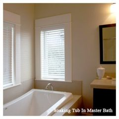 Lincoln City house photo - Soaking Tub in Master Bath