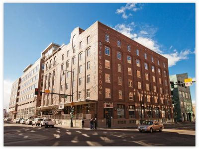 AMAZING 2BR/2BA loft in the heart of it all! Lodo/Riverfront/Downtown