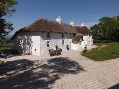 Beautiful Thatched Cottage With Wonderful Sea Views