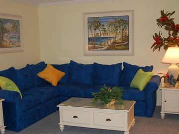 Destin townhome rental - Sitting Room with Queen size hide-a-bed sofa