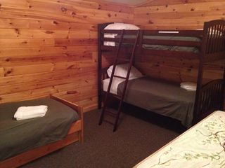 Lansing cabin photo - Guest house - bunk room (3 twins)