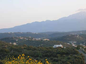 White Mountains and Aspro in centre