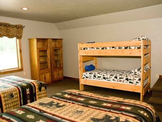 Seven Springs house photo - 16 x 17 bonus bedroom with 2 queen beds and twin bunk.