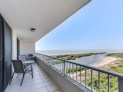 * December Special Rates* Penthouse with Beautiful Sunsets Views!