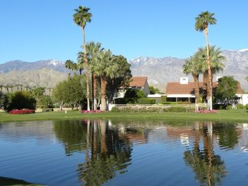 Rancho Mirage condo rental - PRIVATE LAKEVIEW FROM BACK PATIO
