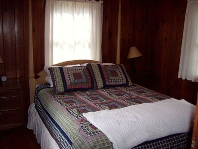 cypress cottage bedroom with queen sized bed